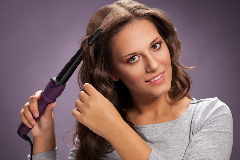 Curling iron for wavy hair