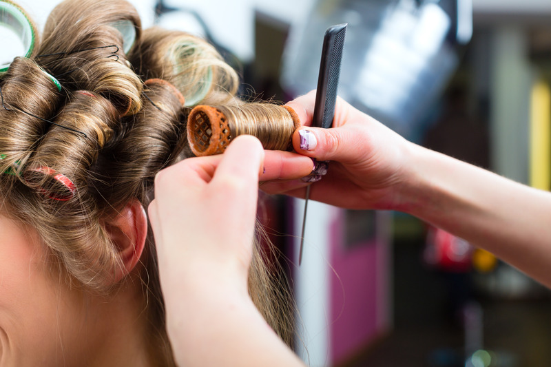 Curling hair with hot rollers
